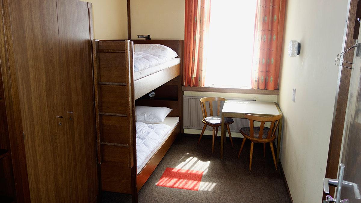 Camere Da Letto Giovanili : Camera da letto country prezzi e consigli tirichiamo